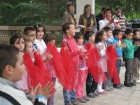 Великденски празник пред храма 2013_19